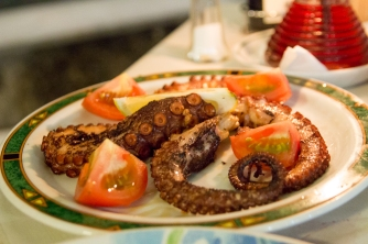 Pulpo, a traditional tapa